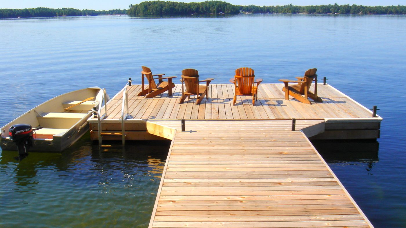 Floating Vs. Stationary Docks – Dock Hardware